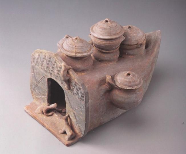 考古出土的中国古代灶台(模型)本文图片除标注外均由出版社提供