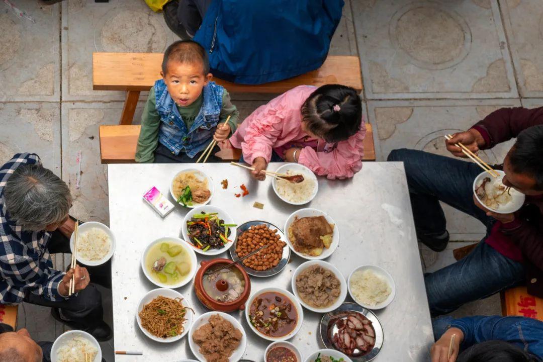 """【奏鸣网】_一年浪费粮食千万吨,仍有3亿隐性饥饿人口,如何端好""""中国碗""""?"""