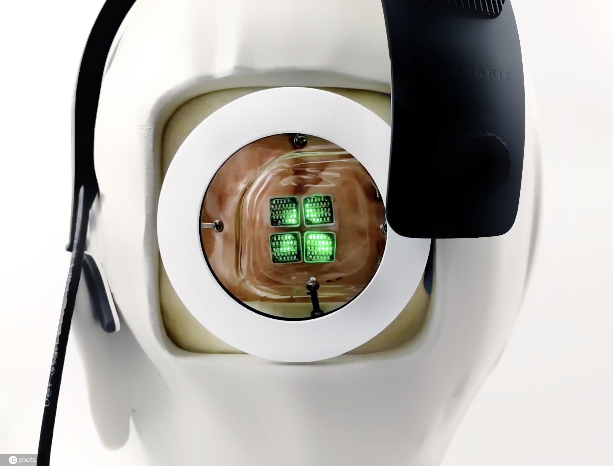 澳大利亚墨尔本,莫纳什大学的科学家计划进行世界上第一台能让盲人重返光明的仿生眼手术。