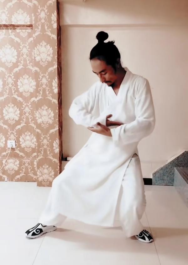 何维越表示自己是传统武术爱好者。