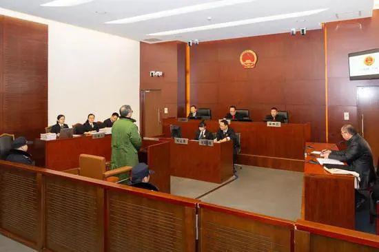 【龙卷风优化】_农行一副局长被判8年半,曾花80万为原保监会主席项俊波买肖像画