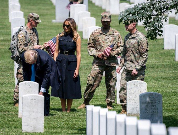 特朗普与梅拉尼娅访问美国阿灵顿国家公墓 图自:社交媒体