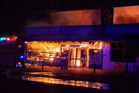 超市失火现场 图源:澳大利亚广播公司转自当地网友