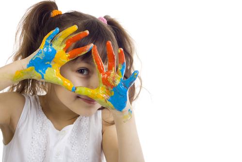 """3年扶助3000所乡村幼儿园 """"与你共飞翔""""公益项目播种天使梦想"""