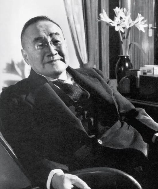 上图_ 吉田茂(1878年9月22日—1967年10月20日),二战后j日本的第一任首相