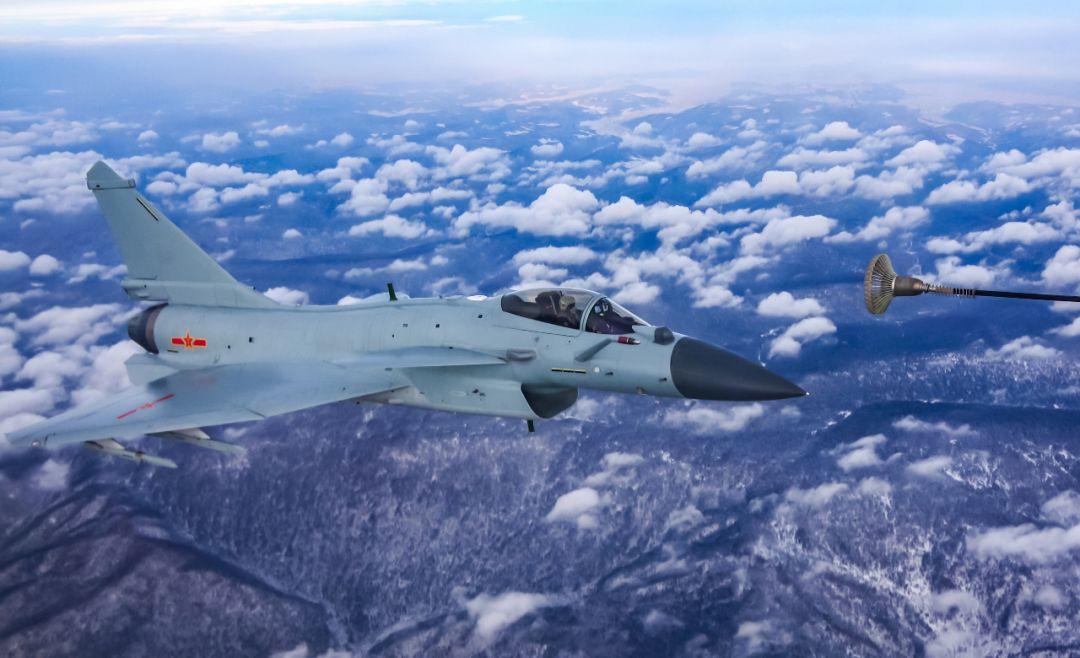 """印度买一架""""阵风""""战斗机的钱 能买几架中国歼-10C?"""