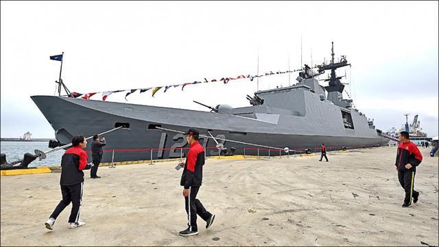 【海军上将泰勒的保险箱】_台军举行西南海空域操演 岛内专家宣称具有反制大陆意义