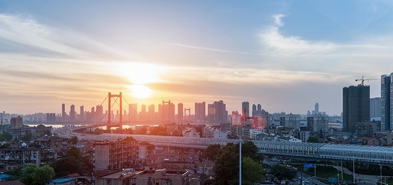 复苏中的武汉楼市:上半年卖地688亿,新房成交4.36万套