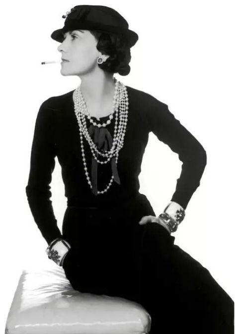 Chanel(香奈儿)、Dior(迪奥)的珍珠都是假的,为啥还卖那么贵?