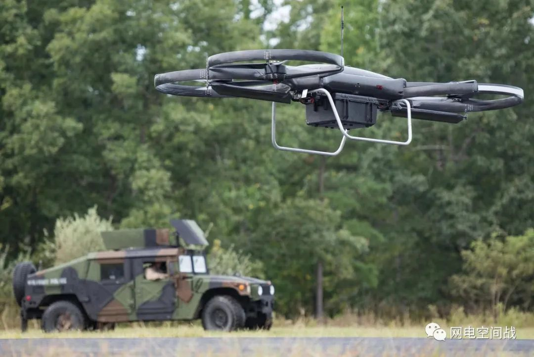 《无人机》第10期:借助人工智能,每个士兵都可以反击无人机
