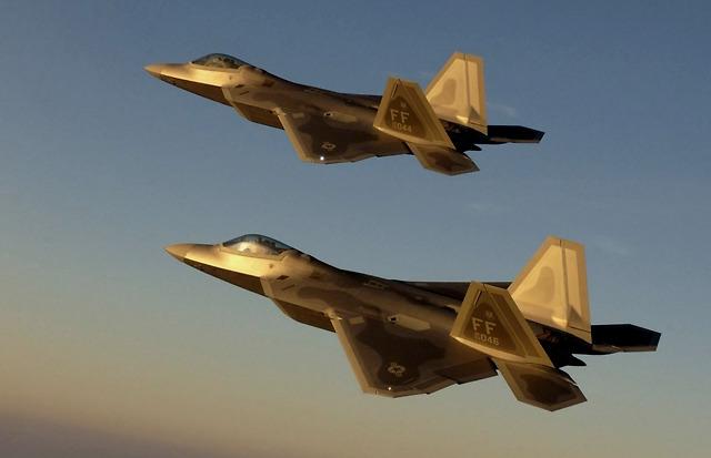 美军宣布F22和F35进行重大升级,号称领先歼20十年,苏57危险了