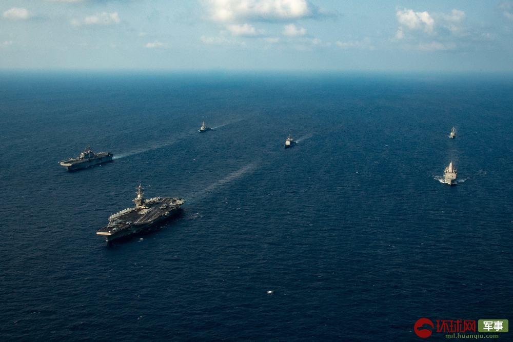 """美国海军又来南海捣乱,这次是航母联合两栖攻击舰""""秀肌肉"""""""