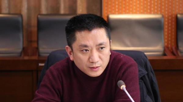 【和彩云是什么】_重庆一纪检干部被起诉:收100万助在逃人员投案后办取保候审