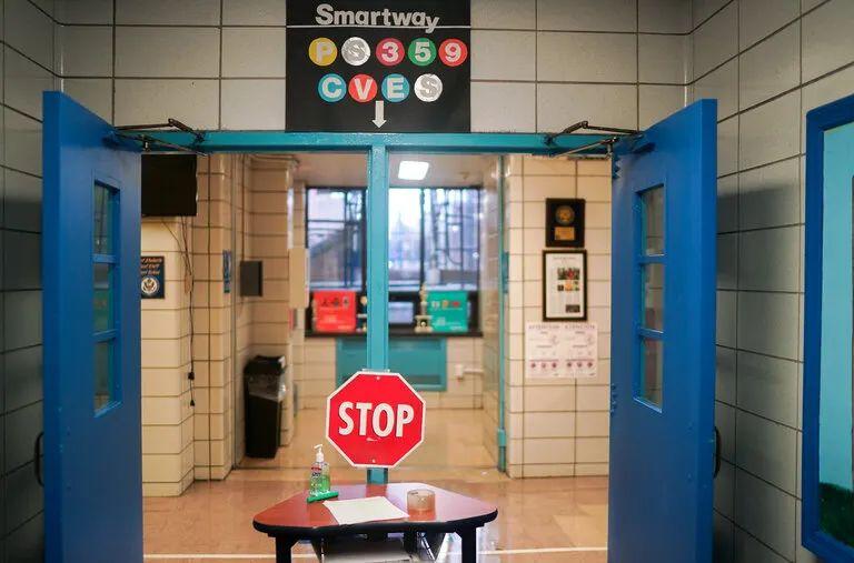 【百度快猫网址优化】_纽约开学周:外州学生隔离 住校学生需做两次病毒检测 隔离餐遭疯狂吐槽