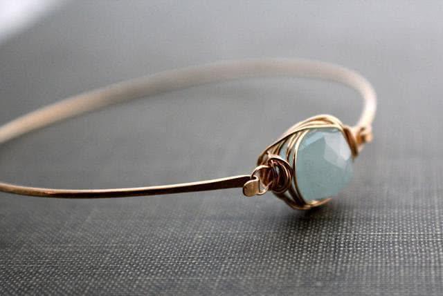 女人40岁更要注重品味和气质,这些珠宝首饰要拥有!