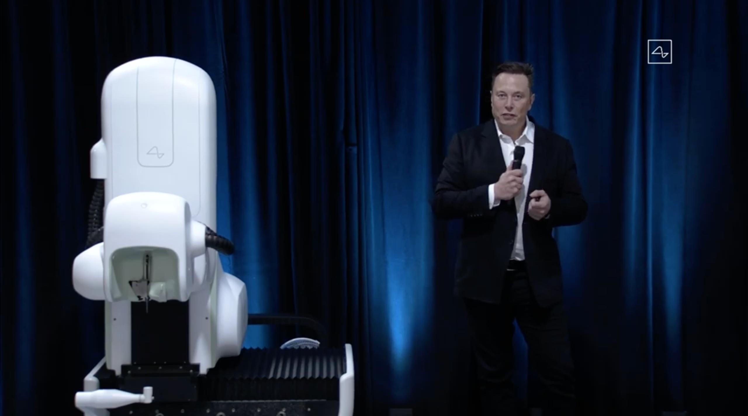 最新Neuralink机器人,负责植入Neuralink芯片。马斯克表示,植入过程可以在不到一个小时内完成,不需要全身麻醉。