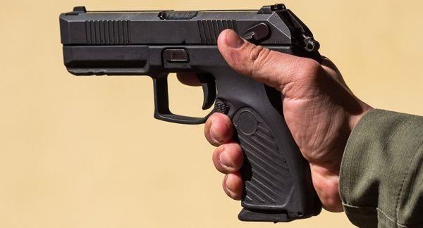 """俄军新手枪""""乌达夫""""开始量产 性能超越美德奥产品"""
