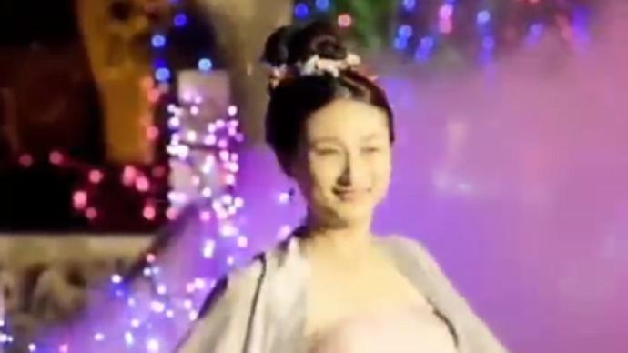唐翔拍汉服短视频为太湖县代言