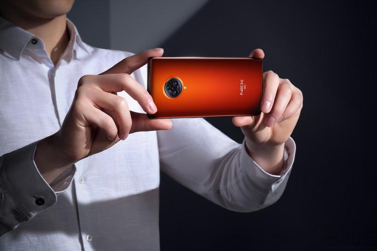5G入门手机或将爆发,却可能撕开了一块遮羞布