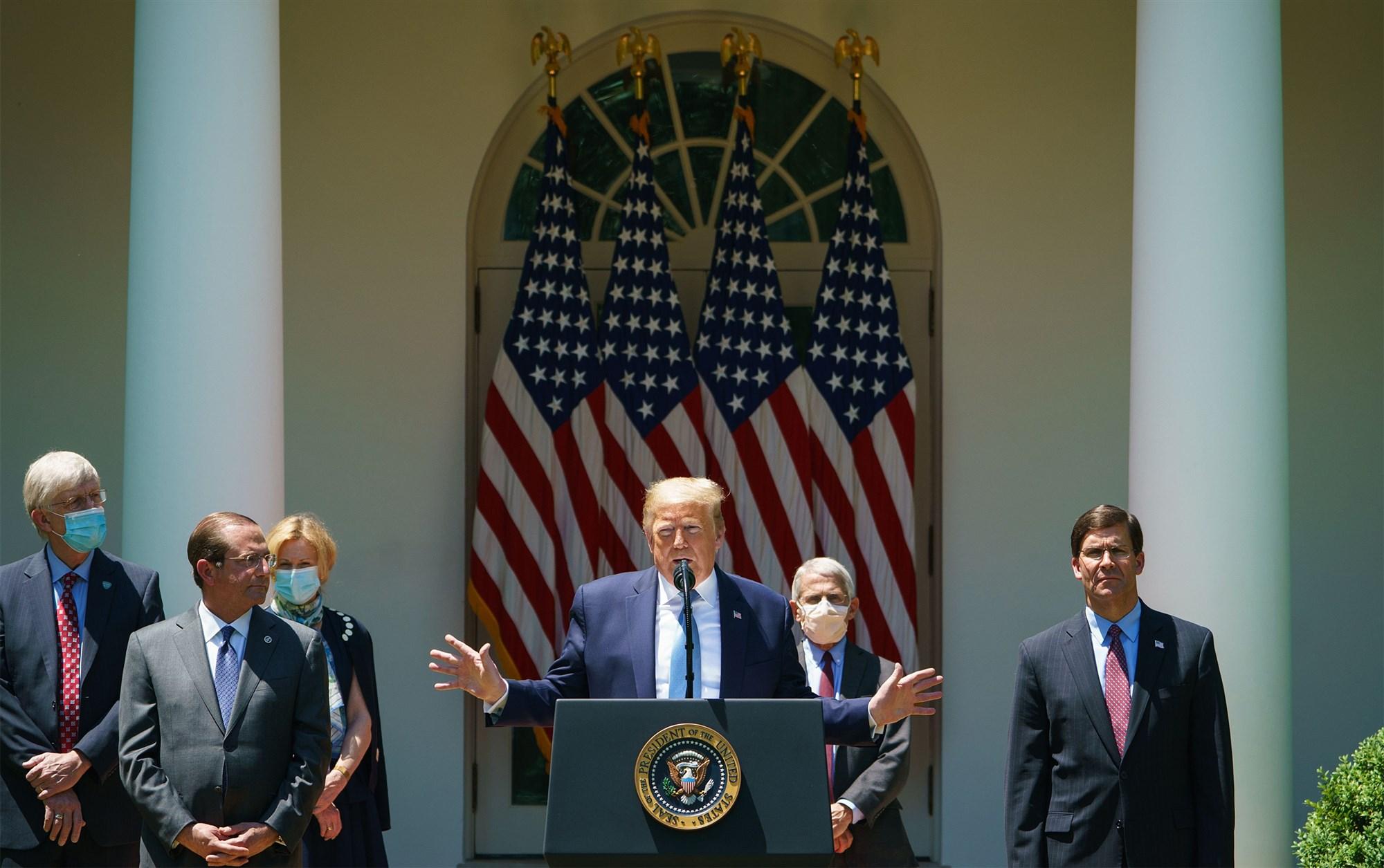 美媒:白宫将修正抗疫计划 要求民众忍受新冠病毒