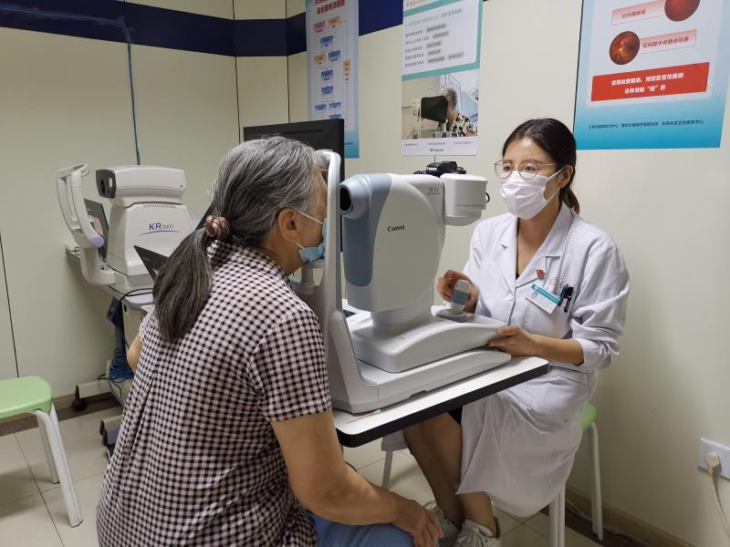 上海试点社区人工智能眼健康筛查服务项目,20秒可出结果