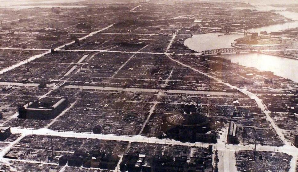 上图_ 李梅火攻一般指东京大轰炸