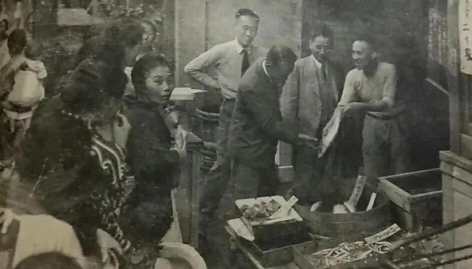 上图_ 二战期间日本国内对食物供给进行限量分配