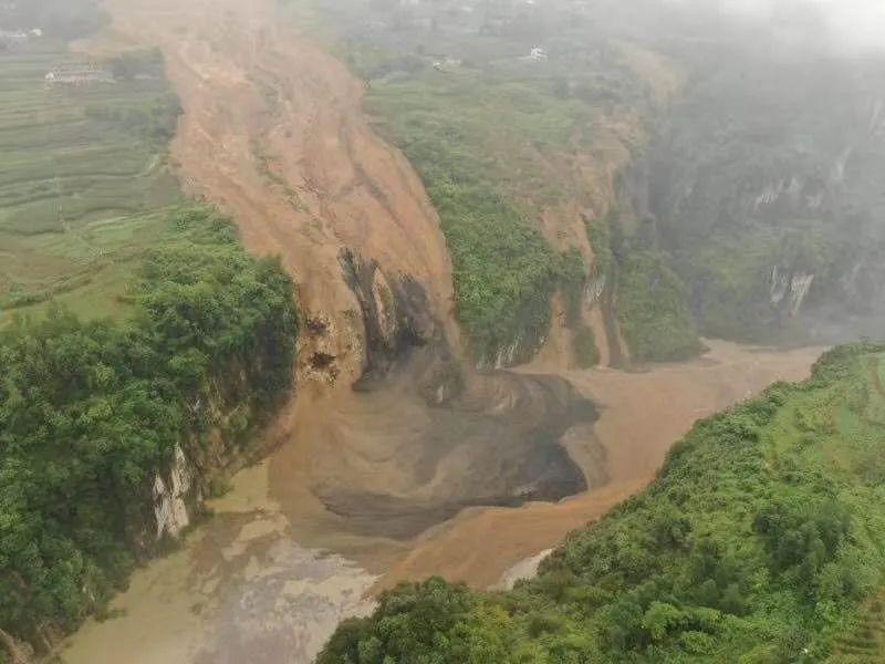 【网站改版收费】_恩施:滑坡堵塞桥坡河形成堰塞湖 上游水位已上涨5米左右