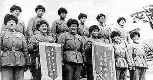"""上图_ 金城战役里奇袭""""白虎团""""的侦察班"""