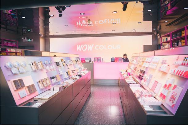 国潮新宠超大彩妆集合店WOW COLOUR逆势起飞 千店布局开启彩妆零售新时代