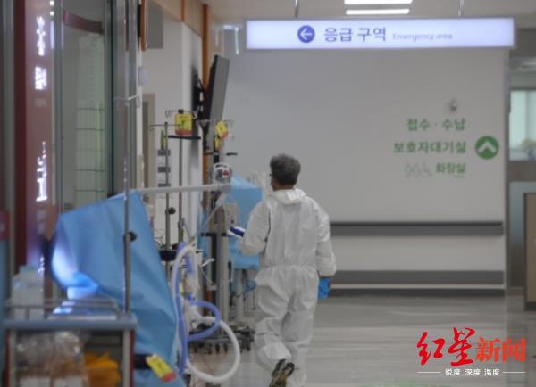 韩国罕见新冠阳性:8次检查7次呈阴性 17岁男孩发病6天后去世