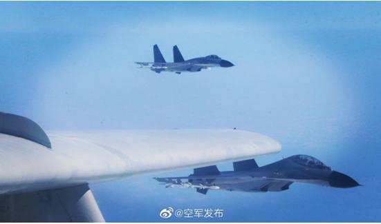 """台军""""忙坏""""了!解放军战机凌晨又现身台湾西南空域"""