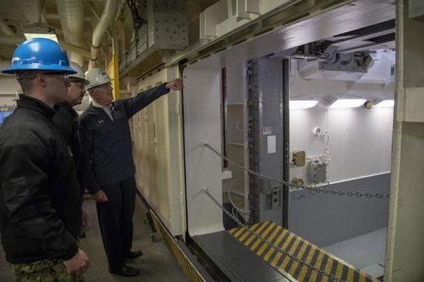 福特号超级航母上的先进武器升降机是个什么鬼?