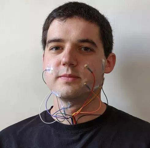 人工智能口语识别,无声也可交流