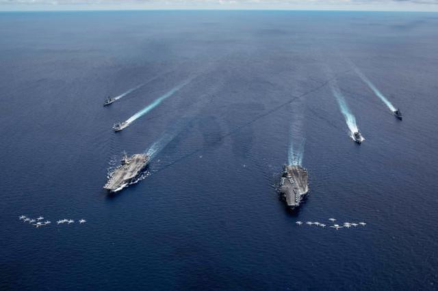 美军双航母再次集结南海进行演训,挑衅味十足