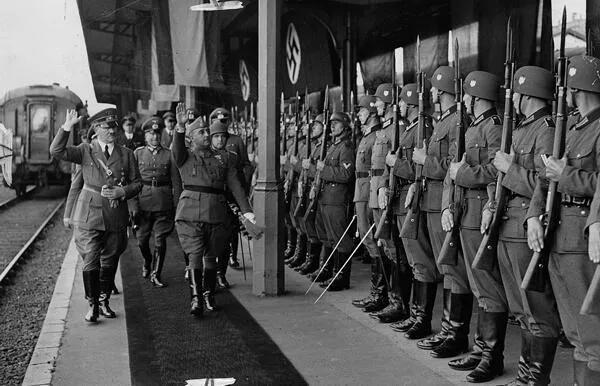 上图_ 希特勒 和 弗朗哥