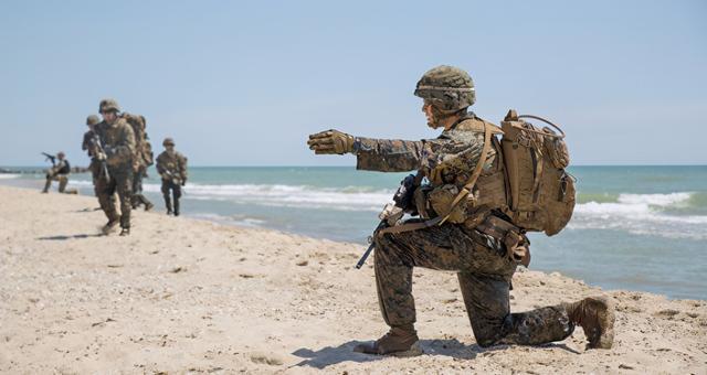 资料图:美国海军陆战队士兵训练
