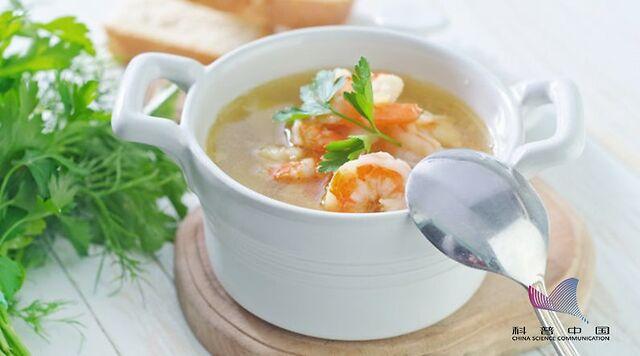 喝汤和吃肉到底哪个更有营养?