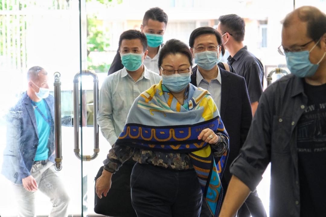 香港一日:港澳办称中央可继续制定法律 港府批驳加拿大政府