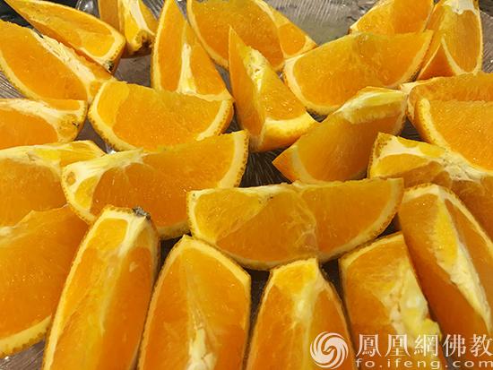 橙子(图片来源:凤凰网佛教 摄影:闫秀勇)