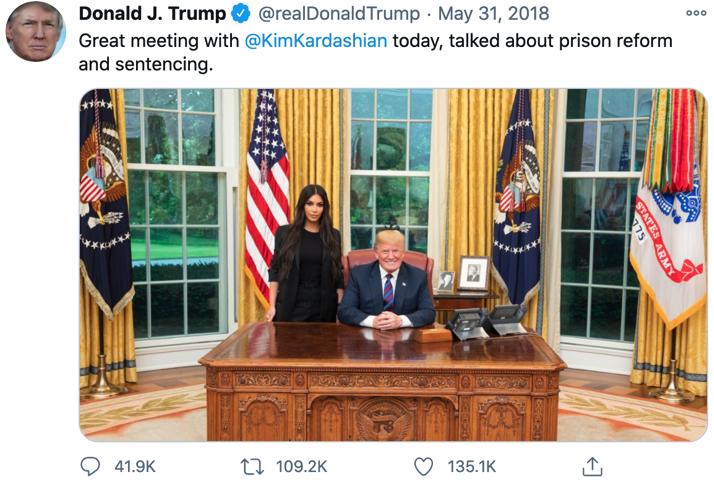 △特朗普曾就与金·卡戴珊见面并在社交媒体上发合照