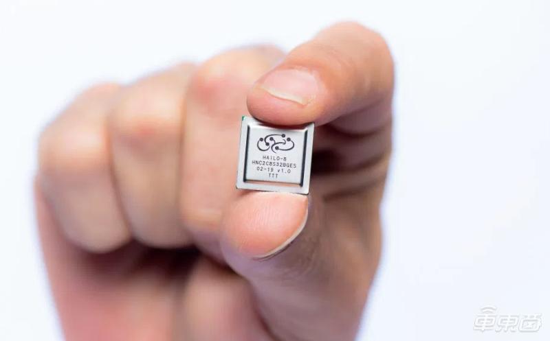 边缘AI芯片创企Hailo融资6000万美元!能效比超谷歌