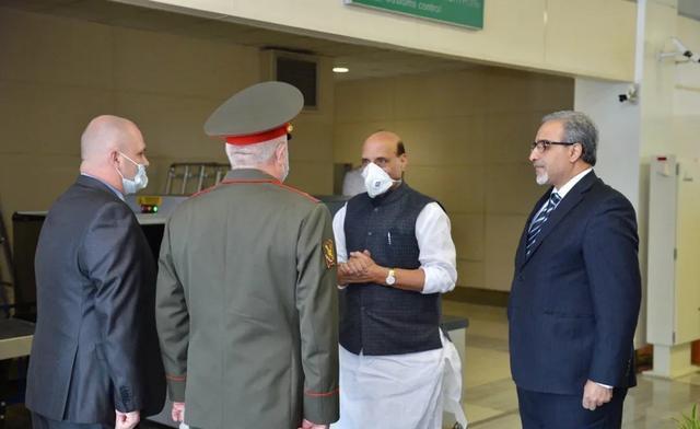 △6月22日,印度国防部长辛格抵达莫斯科