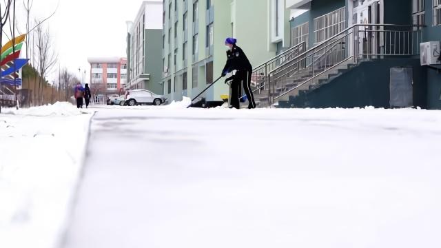 新疆现四月飞雪,最低气温降至零下2度:供暖温度升高