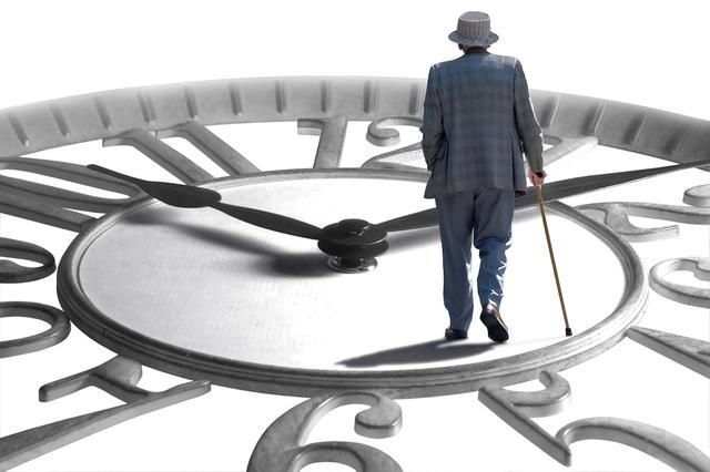 「春晖投行在线」两会代表呼吁加快长期护理险立法 险企推出护理险产品缓解失能老人护理难题插图