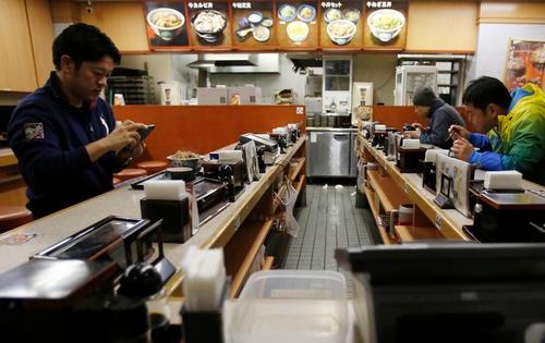 【威廉张】_崇尚节俭却又爱扔食物?看日本如何减少粮食浪费