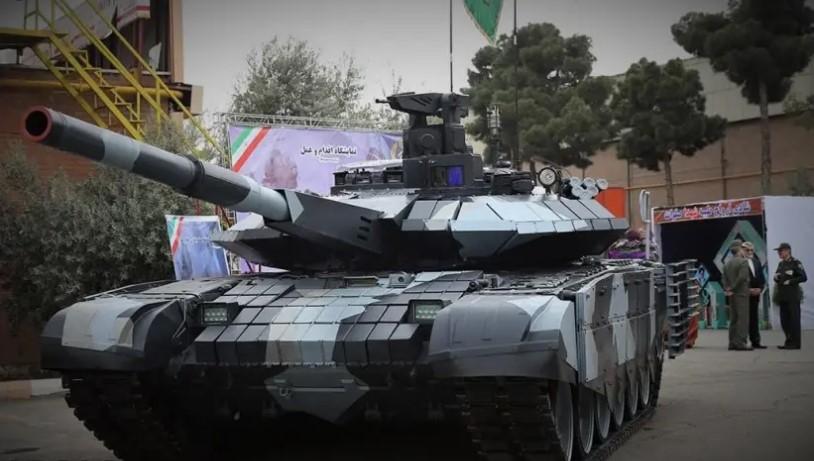 """伊朗研制的""""卡拉尔""""主战坦克,外形与俄罗斯T-90坦克很像"""