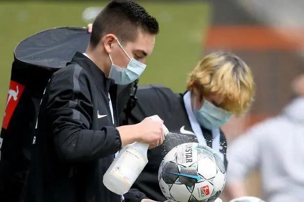 德甲终于回来了! 从今天开始世界足球要学习德国标准吗?