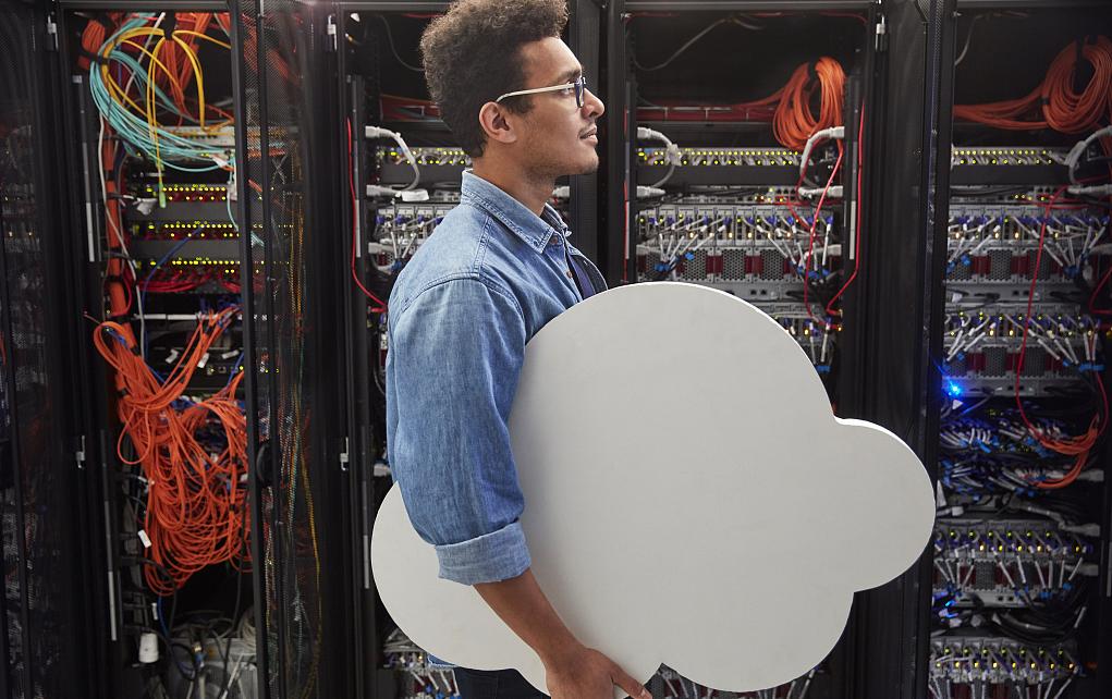 高盛上调阿里云估值至1238亿美元;腾讯云入选Gartner全球云计算IaaS和PaaS魔力象限;百度100亿元人工智能云计算项目落户广东