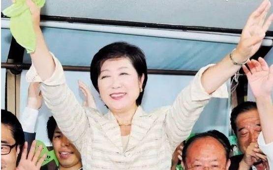 【鲨皇亚洲天堂】_小池连任东京都知事,她会成日本首位女首相吗?